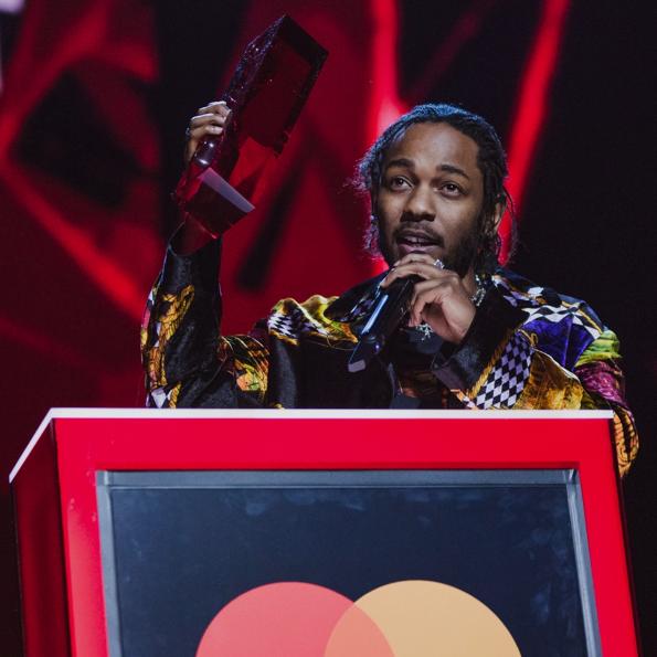 BRIT AWARDS 2018 – Dua Lipa gewinnt zwei Awards, Kendrick Lamar + Lorde ausgezeichnet